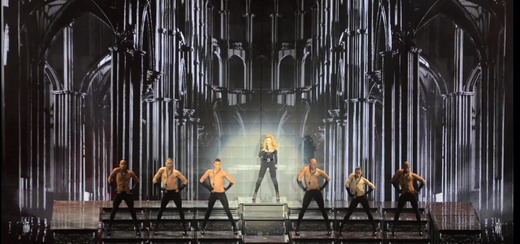 MDNA Tour Teaser par Moment Factory