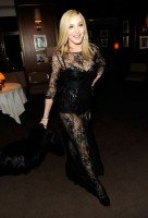 20110227-pictures-madonna-lourdes-oscar-after-party-graydon-carter-01