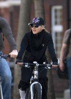 Madonna out and about in London - April 9th 2011 (13)