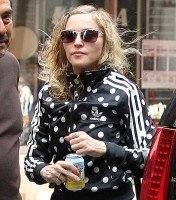 Madonna out and about in New York, 14 September 2011 (4)