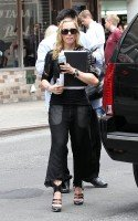 Madonna out and about in New York, 27 September 2011 (2)
