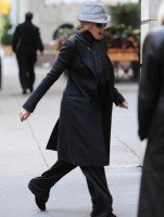 Madonna at the Kabbalah Centre in New York, 5 November 2011 (3)