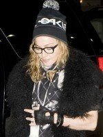 Madonna out and about in New York, 2 December 2011 (2)