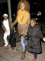 Madonna out and about in New York, 2 December 2011 (5)