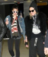 Madonn at JFK airport, New York - 23 December 2011 (2)