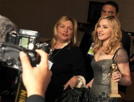 Madonna at the Golden Globes, Press Room - 15 January 2012 (9)