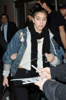 Madonna and Lourdes at JFK airport, 21 February 2012 - Update 3 (9)