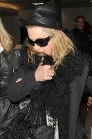 Madonna and Lourdes at JFK airport, 21 February 2012 - Update 3 (12)