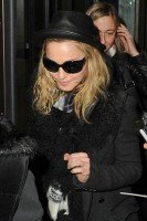 Madonna and Lourdes at JFK airport, 21 February 2012 - Update 3 (39)