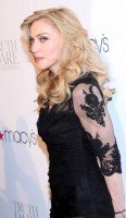 Madonna at the Truth or Dare fragrance launch - Macy's, NYC - HQ (28)