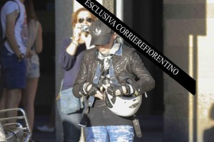 Madonna shopping at Ponte Vecchio in Florence, Italy - 15 June 2012 (3)