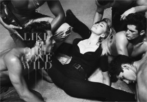 The MDNA Tour Book - Full (22)