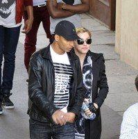 Madonna visits the Leopold Museum, Vienna - 30 July 2012 (3)