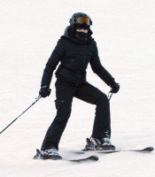 Madonna skiing in Gstaad, Switzerland - Part 2 (6)