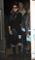 Madonna out and about, Kabbalah Centre, New York (5)