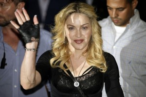Madonna at the Hard Candy Fitness Centre, Rome - 21 August 2013 (12)