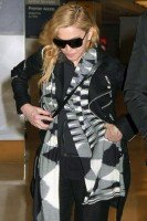 Madonna leaves JFK Airport, New York - 18 November 2013 (4)