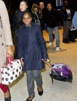 Madonna arrives at JFK Airport, New York - 23 December 2013 - Pictures (7)
