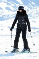 Madonna spotted skiing in Gstaad, Switzerland - December 2013 - Update 1 (8)