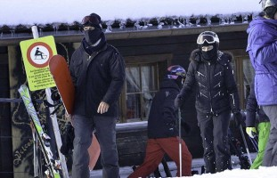 Madonna spotted skiing in Gstaad, Switzerland - January 2014 (15)