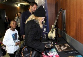 Madonna at the Grammy Charties Signings - 25 January 2014 (2)