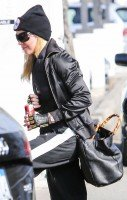 Madonna spotted in Los Angeles wearing No Excuses beanie - 25 January 2014 (9)