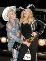 """Madonna and Miley Cyrus perform """"Don't Tell me/Can't Stop"""" Duet - Pictures and video (2)"""