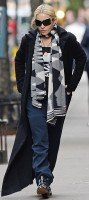 Madonna at the Kabbalah Center in New York - 23 March 2014 (3)