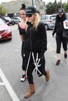 Madonna out and about in Los Angeles - 17 April 2014 (3)