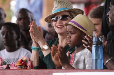 Madonna in Kasungu, Malawi - 30 November 2014 (5)