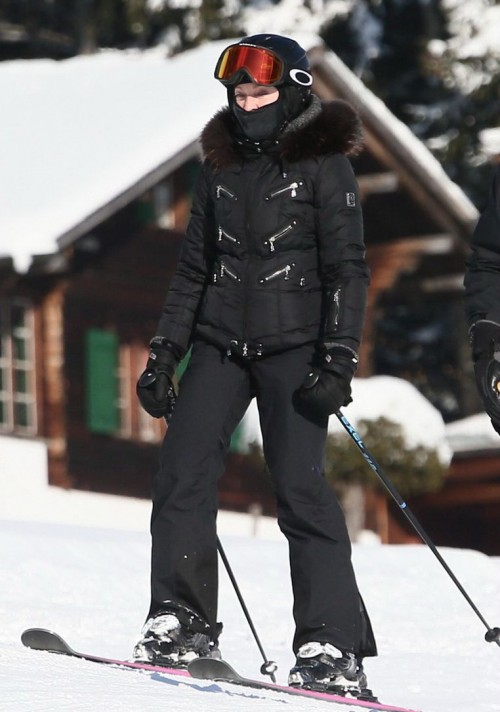 Madonna spotted skiing in Gstaad, Switzerland - 31 December 2014 (1)
