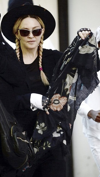 Madonna out and about New York - 23 May 2015 (3)