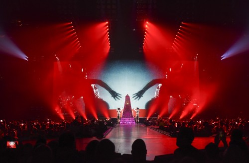The Rebel Heart Tour Stage by Stufish (3)