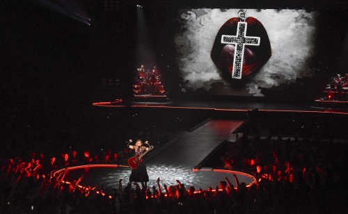 The Rebel Heart Tour Stage by Stufish (9)