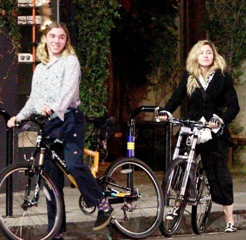 Madonna out and about in Los Angeles - 27 October 2015 - Pictures (2)