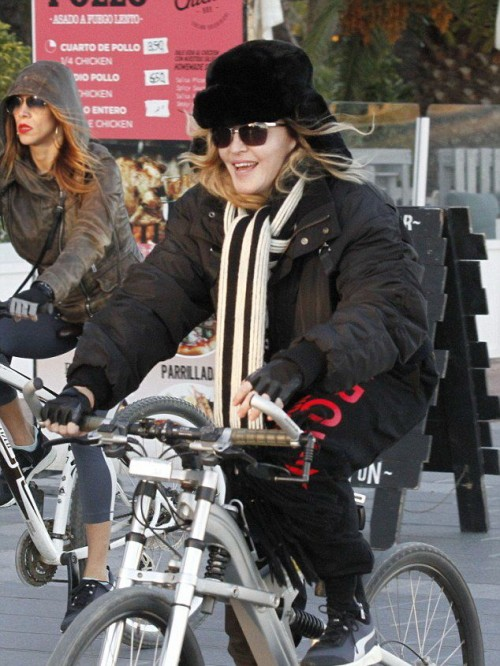 Madonna out and about in Turin and Barcelona - 22-23 November 2015 (5)