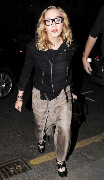 Madonna out and about in London - 14 July 2016 - Pictures (7)