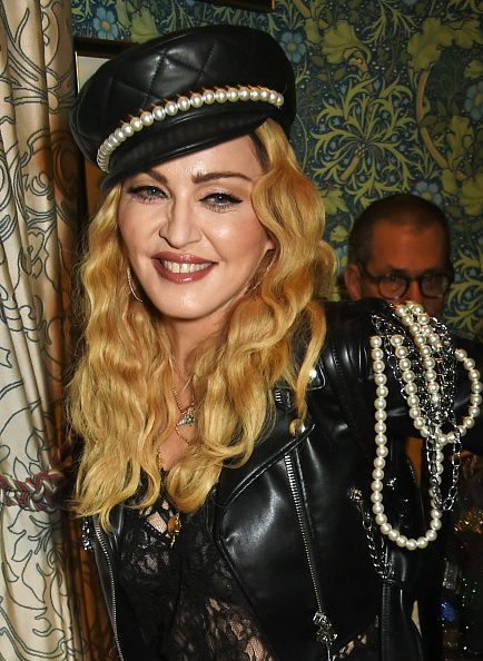 Madonna out and about in London 27 October 2016 - Pictures (8)
