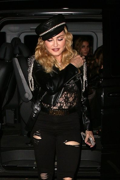 Madonna out and about in London 27 October 2016 - Pictures (21)
