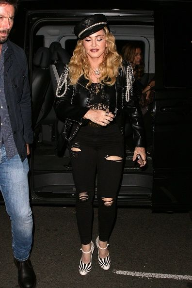 Madonna out and about in London 27 October 2016 - Pictures (22)