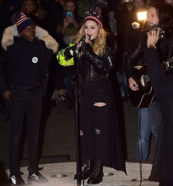 Madonna performs 5 acoustic songs at Washington Square Park  New York (11)