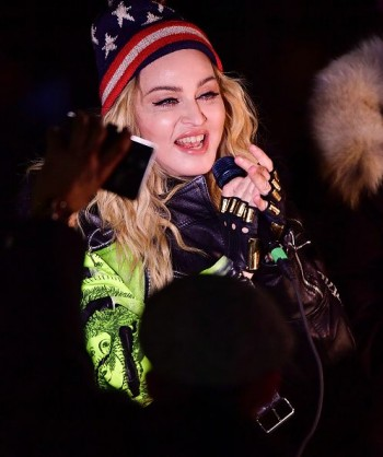 Madonna performs 5 acoustic songs at Washington Square Park  New York (53)