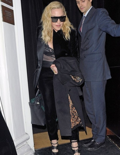 Madonna out and about in London - 29 November 2018 (5)