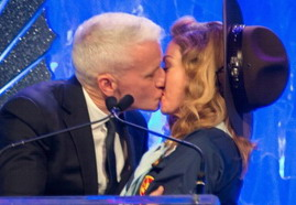 VIDEO - Anderson Cooper's Acceptance Speech at GLAAD Media Awards 02