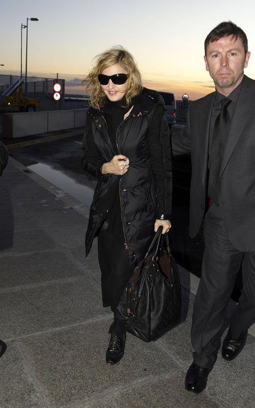 ... for the US, Heathrow Airport London [12 Pix] - Absolument Madonna